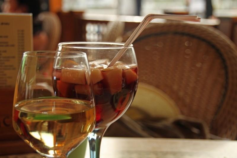 Простые в исполнении рецепты сангрии: от классической до игристой